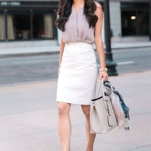 White pencil skirt w/ pockets
